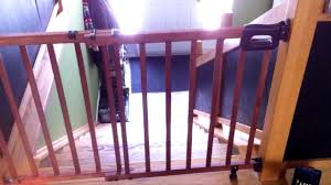 review of stylish secure deluxe wood stairway gate made by summer you