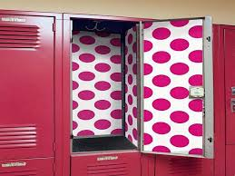 are you the type that loves to completely personalize your locker show off your special personality with these fun and simple diy locker decor ideas