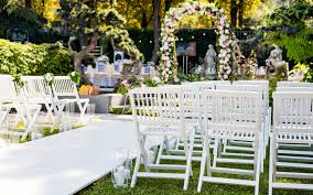 it s time to seriously consider an outdoor wedding