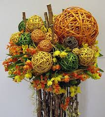 Floral arrangements with dried flowers for <b>home decoration</b> ...