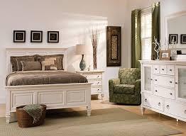 Somerset 4-pc. Queen Bedroom Set - Alabaster | Raymour & Flanigan