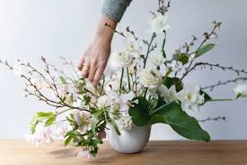 What Are Mechanics In A Floral Design Flower Arrangements 101 A Crash Course For Easy And Elegant