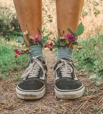 Идеи для фото инстаграм лето цветы природа кеды vans ...