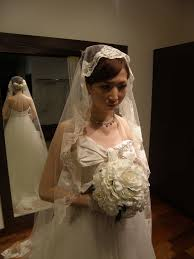 同じドレスがこんなに違う小物ヘアスタイルブーケあなたはどの