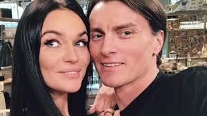 алёна водонаева развод с мужем измена с гуфом журнал о скандалах