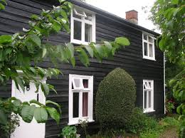 House With Black Trim 18thc Weatherboard Black Barn Painted Paint Pot Pinterest