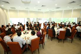 this lunch session provided both the roundtable professionals and students a rare opportunity to know each other better and exchange experience over a