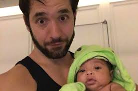 serena williams daughter alexis olympia s bath time photo is just too adorable s