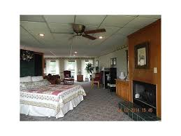 Tranquility Lodge former recording studio w/kitchen queen bed, loft w/2 Q  beds pool ...