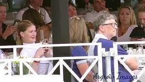 نايل نصار خلال مقابلة سابقة مع عائلة خطيبته جينيفر جيتس في مونت كارلو -  فيديو Dailymotion