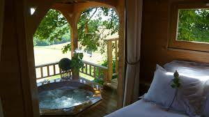 treehouse masters spa. Simple Spa Romantic Treehouse With Hot Tub 12 Feet Off The Ground Intended Masters Spa