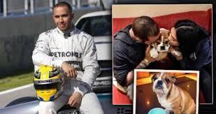Pilot Formule 1 Lewis Hamilton Rozhazuje Letadlo Tetování A Nový