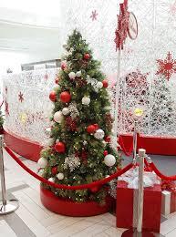 Welche Farben Und Größen Von Weihnachtskugeln Gibt Es