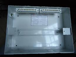 diy wiring a consumer unit and installation distribution board inside look of a single raw distribution board the two link bars on top are
