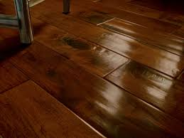 You can see an exhibition of vinyl wood plank flooring beneath. Description  from baihusi.