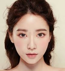 one of the characteristics of korean makeup is natural and not excessive you can look beautiful with minimal makeup for everyday or formal travel
