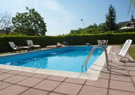How to Build and Maintain a Home Swimming Pool