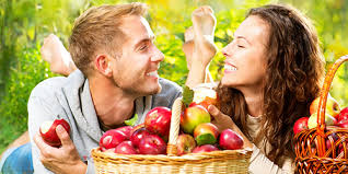 Картинки по запросу кушат яблоко