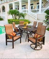 casual living patio and poolside 1527
