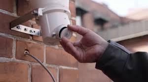 Deter crime with AXIS C3003-E Network <b>Horn Speaker</b> - YouTube