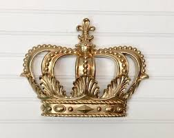 large crown wall hanging 32 colors gold