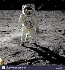 Buzz Aldrin Spaziergänge auf dem Mond während der Apollo 11-Mission  Stockfotografie - Alamy