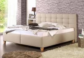 Schlafzimmer Riecht Muffig Trotz Lüften Schlafzimmer Einrichten