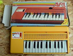 fileavril by bontempi mini electronic organ made in  (