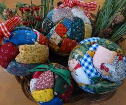 No-sew Quilted Holiday Ornaments   Ornament, Scrap and Christmas ... & No-sew Quilted Holiday Ornaments Adamdwight.com