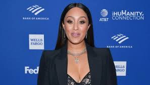 Tamera Mowry Letting Her Grays Grow In Has Me Ditching Color…For ...
