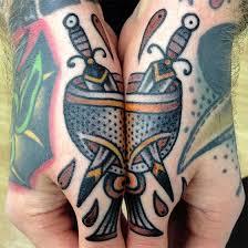 Seznační Tetování Na Rukou Které Má Po Spojení Magický Význam