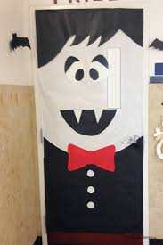 classroom door decorations for halloween. Dracula Door | Quick And Easy Halloween Classroom Decorations {OneCreativeMommy.com} For H