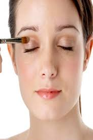 hide a black eye with makeup