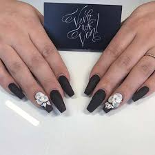 black matte coffin nails with flower accent nail