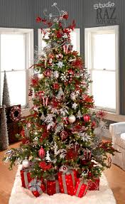 Red and White Christmas Tree (too much going on, but I love the red