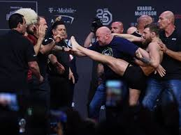 He is a former ultimate fighting championship (ufc) featherweight and lightweight champion. What Time Is Mcgregor Fight In The Uk Ring Walk Time And Tv And Live Stream Details For Ufc 229 Clash Hull Live