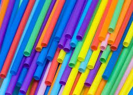 В Англии запретили пластиковые трубочки и <b>ватные палочки</b>