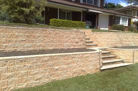 tasman retaining wall system in red rock