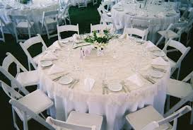 60 inch round dining room tables best of how many people does a 60 round table