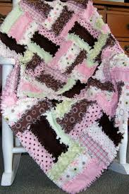 Strawberry Delight Rag Quilt Pattern & 🔎zoom Adamdwight.com