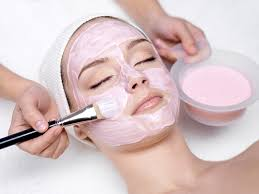 honey face mask can contain many diffe ings eggs cinnamon lemon plain yoghurt olive oil avocados and other fruits