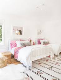 modern girlsu0027 bedroom with twin iron beds moroccan rug and pink patterned accents modern girl room e61 modern