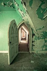 Abandoned Castle | Walter Arnold Photography | Abandoned places, Abandoned  houses, Abandoned mansions