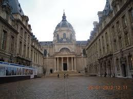 chapelle de la sorbonne. Le Flanc Gauche De La Chapelle Sert Clôture à Grande Cour Sorbonne