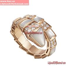 bvlgari serpenti ring in 18k pink gold with mother of pearl and pave diamonds an857081