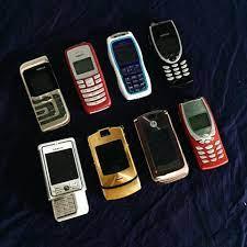 Những mẫu điện thoại độc lạ chỉ từ 235k - Di Động Số