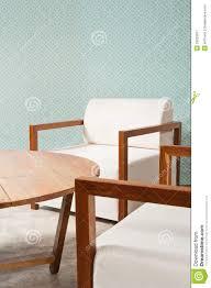 Bruin Wit Meubilair In Een Woonkamer Stock Afbeelding Afbeelding