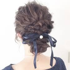ヘアをすっきりまとめたいときにミディアムヘアにおすすめのまとめ髪