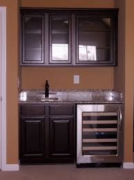 Simple Wet Bar About The Right Size For Basement Office - Simple basement bars