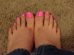 i m a guy and these are my barbie pink toenails